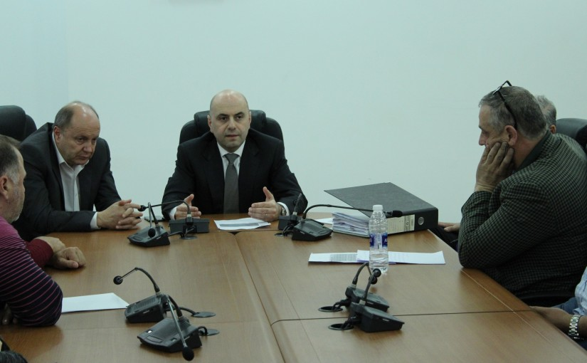 Minister Ghassan Hassbani meets Mr Bechara Asmar with a Delegation