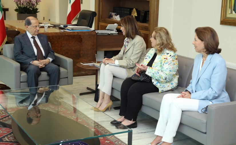 President Michel Aoun meets Ms. Noura Jumblatt, with the members of the Committee.