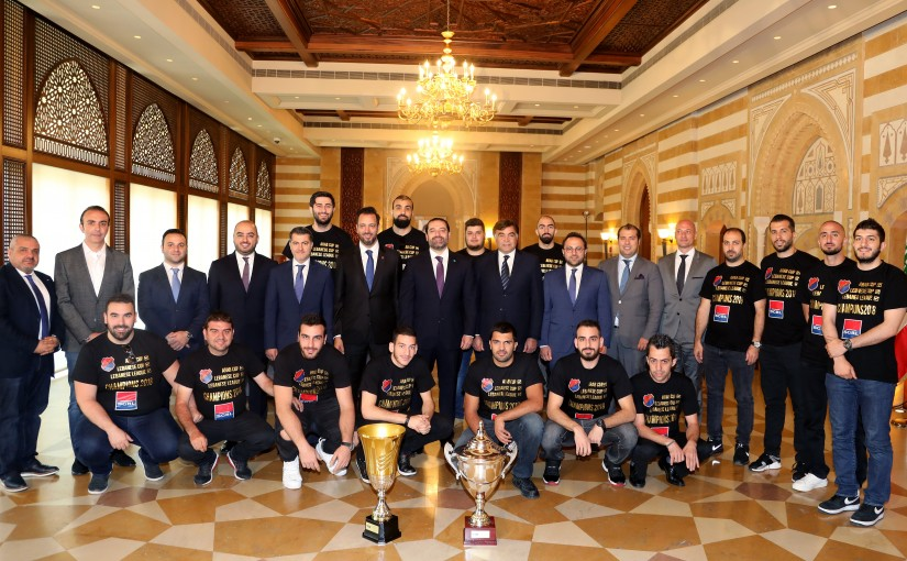 Pr Minister Saad Hariri meets a Delegation from Hometmen Club
