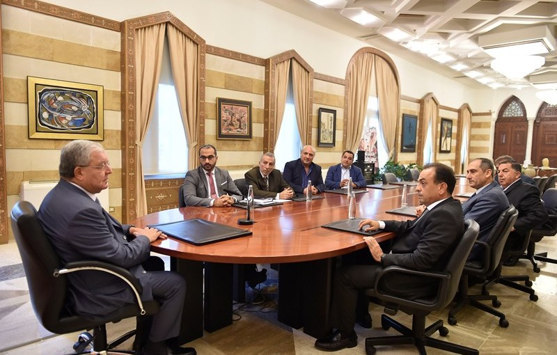 Minister Nouhad El Machnouk Meets a Delegation From The Cooperative Fund for the Mayors