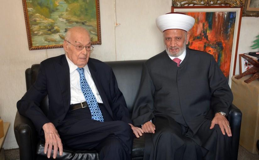 Mufti Abdel Latif Derian Meets Former Pr Minister Selim Hoss