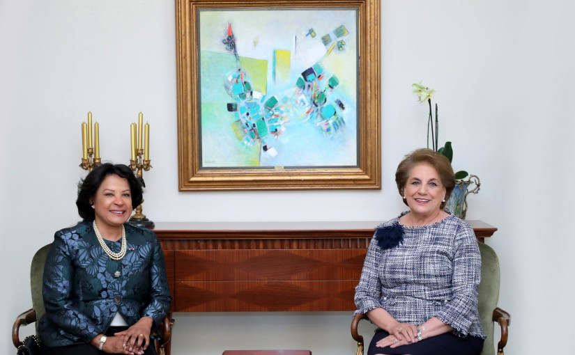 The First Lady Nadia Aoun meets Mrs. Vera Lucia Ribeiro Estrala De Andrade Pinto