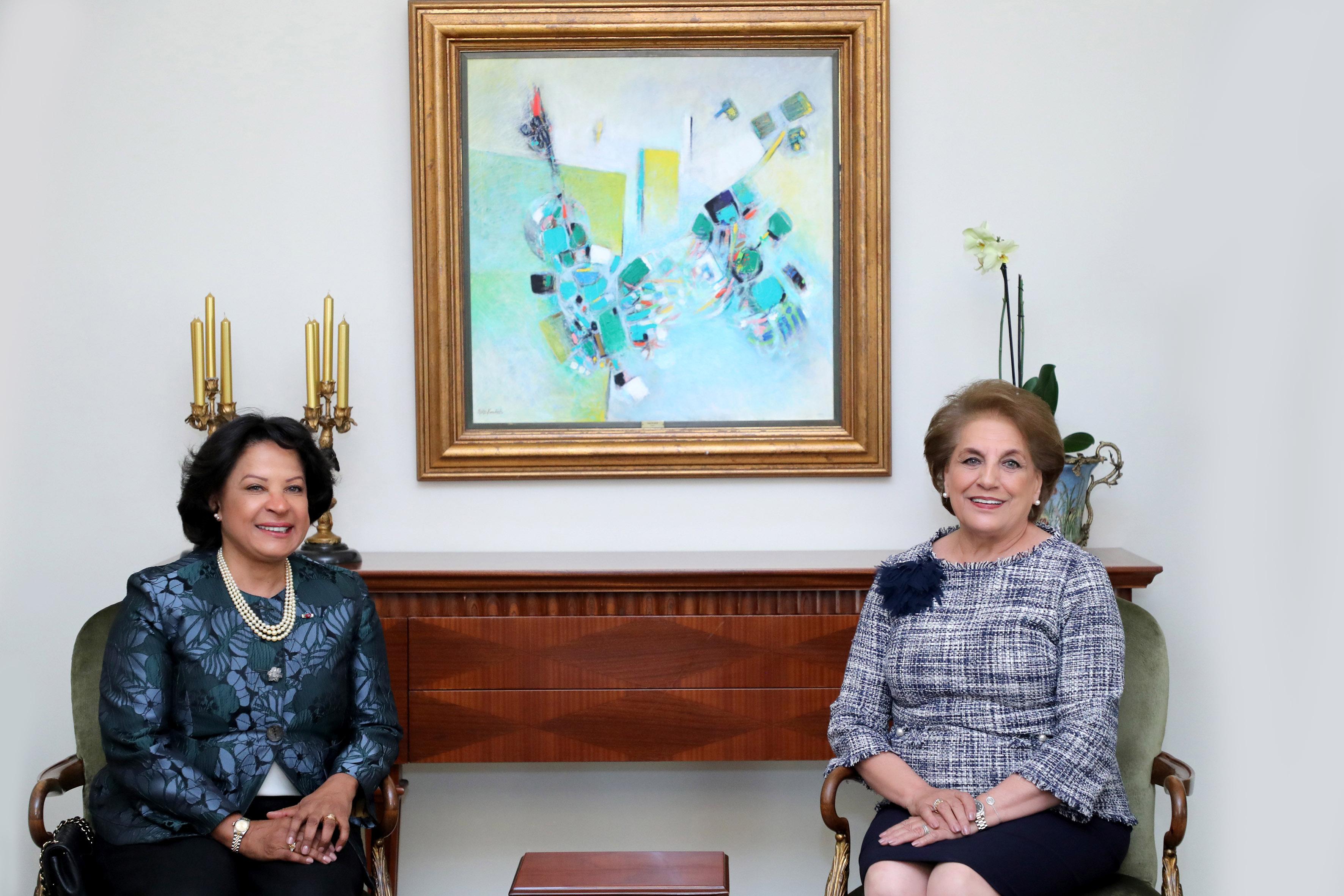 1-Mrs. Vera Lucia Ribeiro Estrala De Andrade Pinto