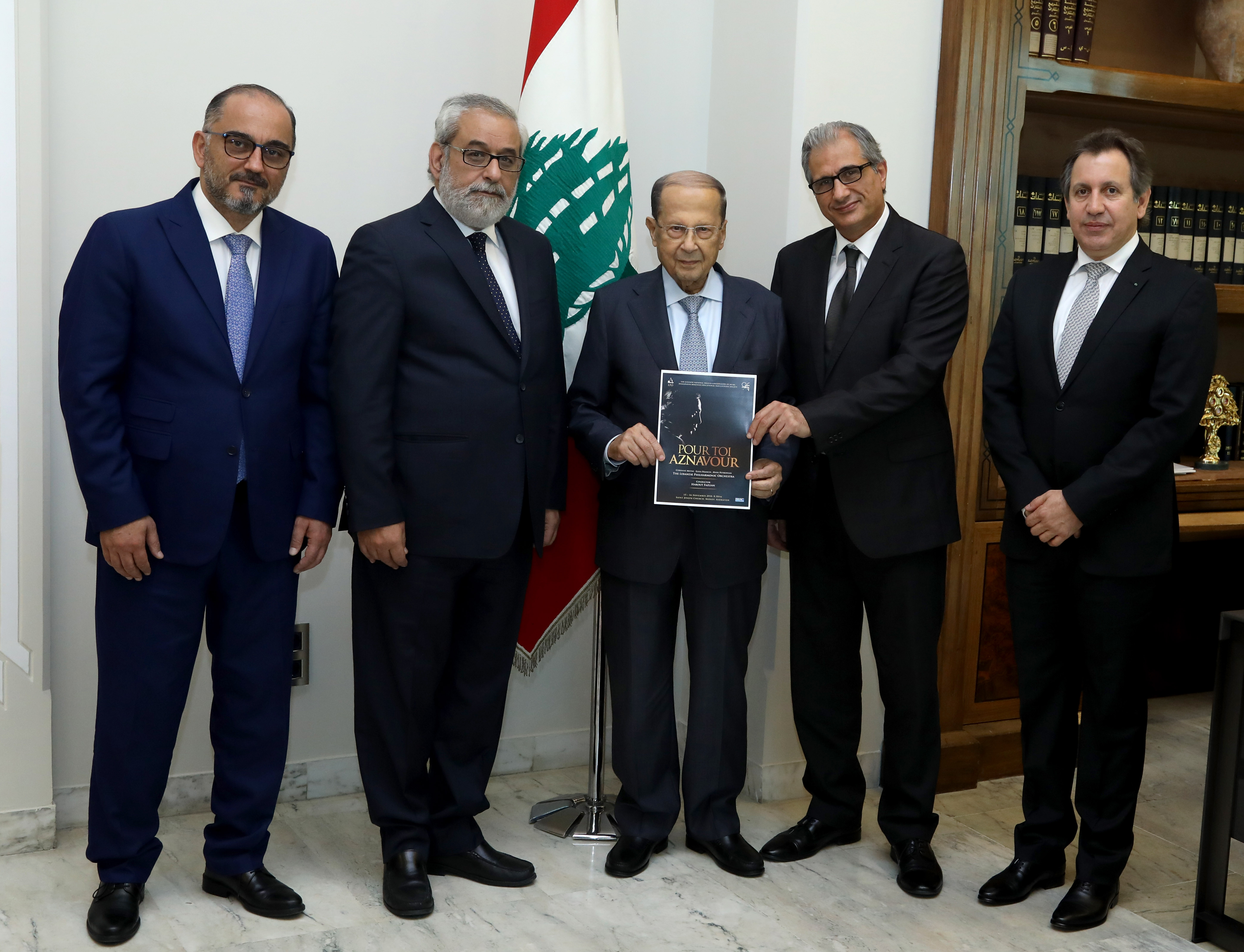 4 - MP Agop Pakradounian With Delegation1