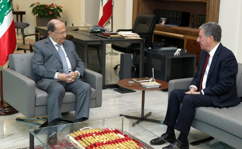 President Michel Aoun meets Former Minister Vrej Sabounjian