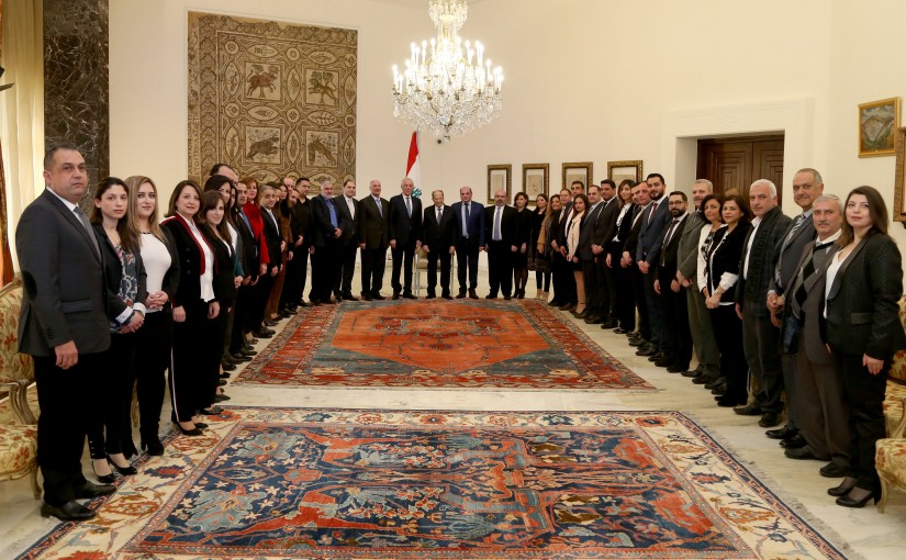 President Michel Aoun meets Minister Ghazi Zaiter with a delegation.