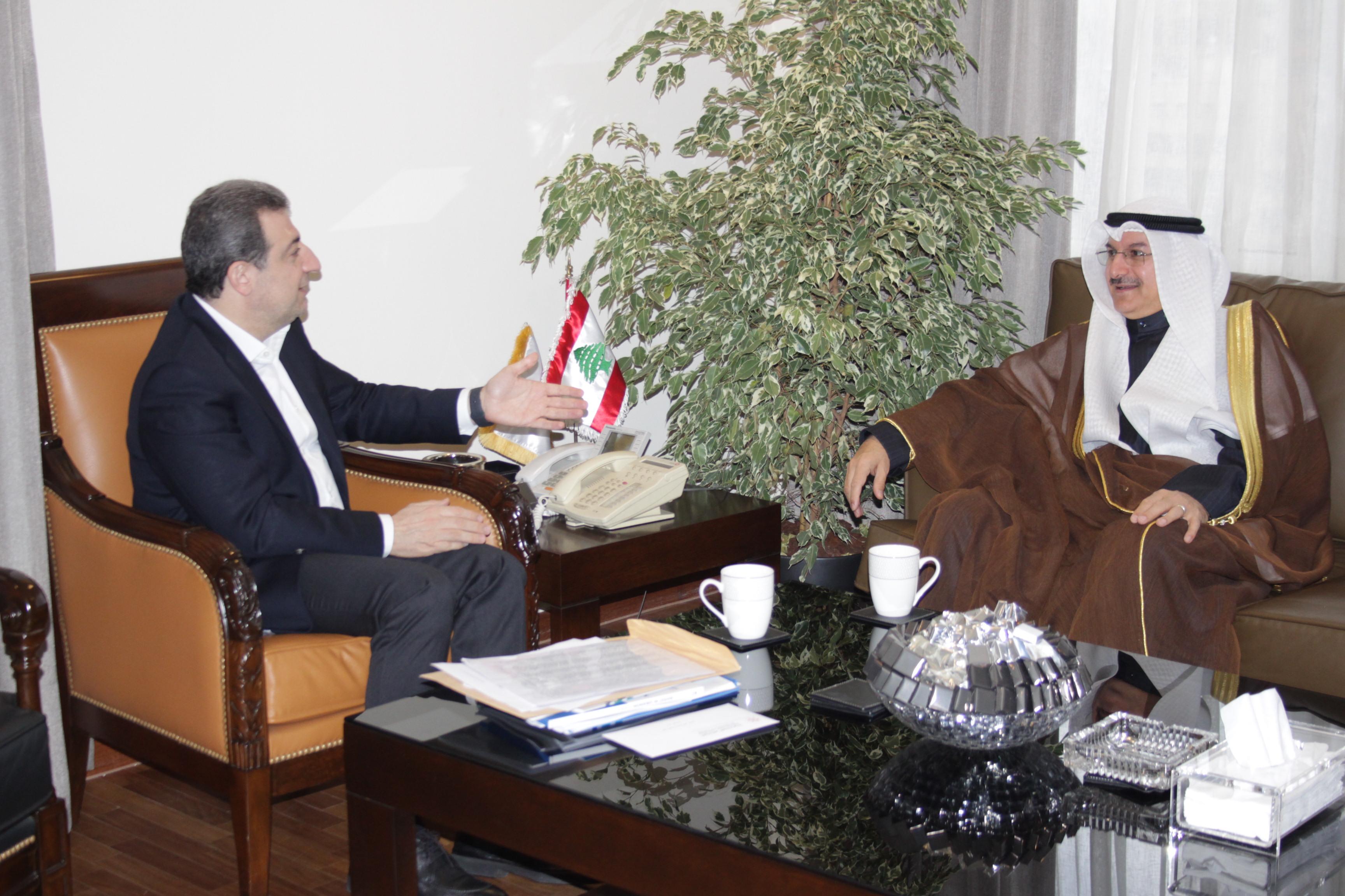 صورة الوزير ابو فاعور مع سفير الكويت
