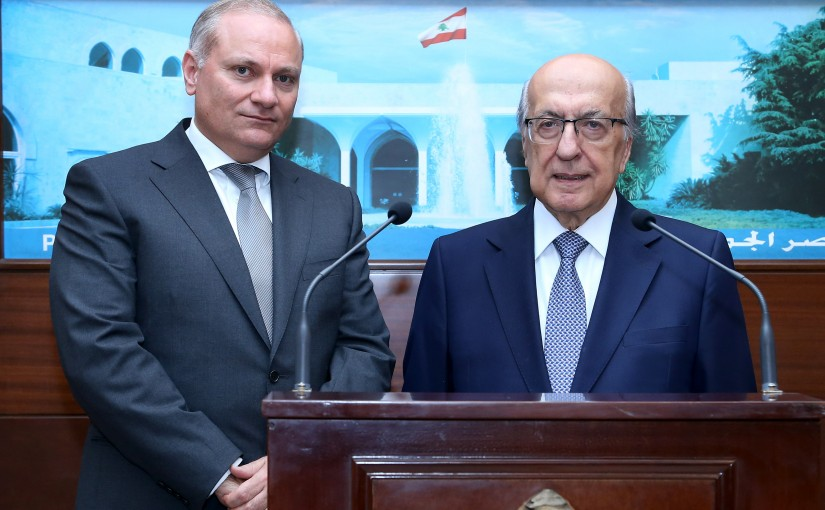 President Michel Aoun  meets Dr. Joseph Torbey with a delegation.