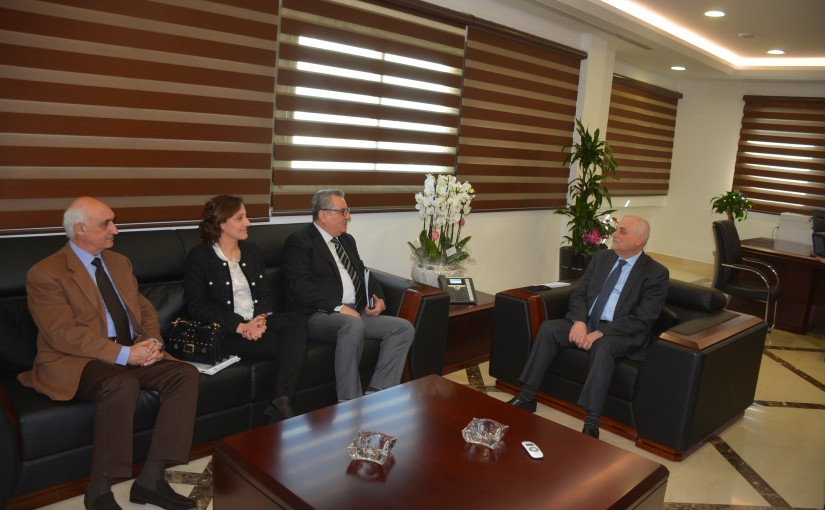 Minister Jamil Jabak meets a Delegation from Arab Hospital