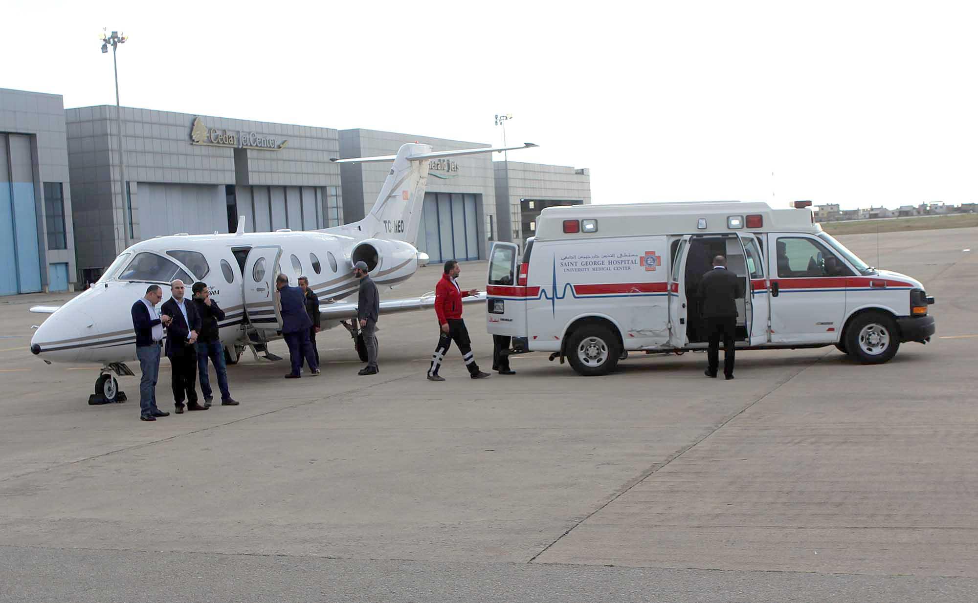 الطفل اححمد عثمان يصل في طائرة خاصه -2