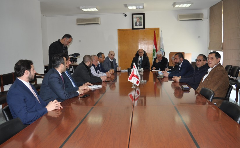 Minister Hassan Lakis Meets a Delegation From Sugar Cane Association