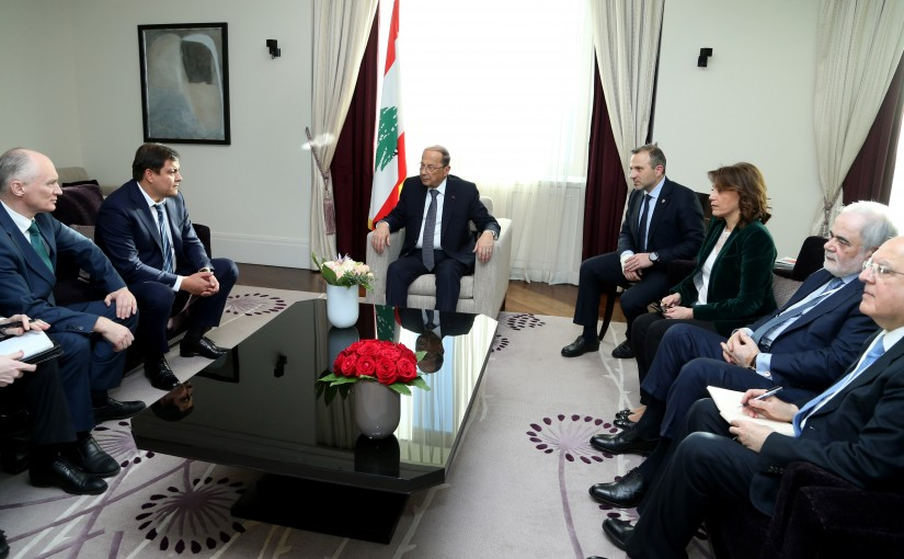 President Michel Aoun meets Russian economists.