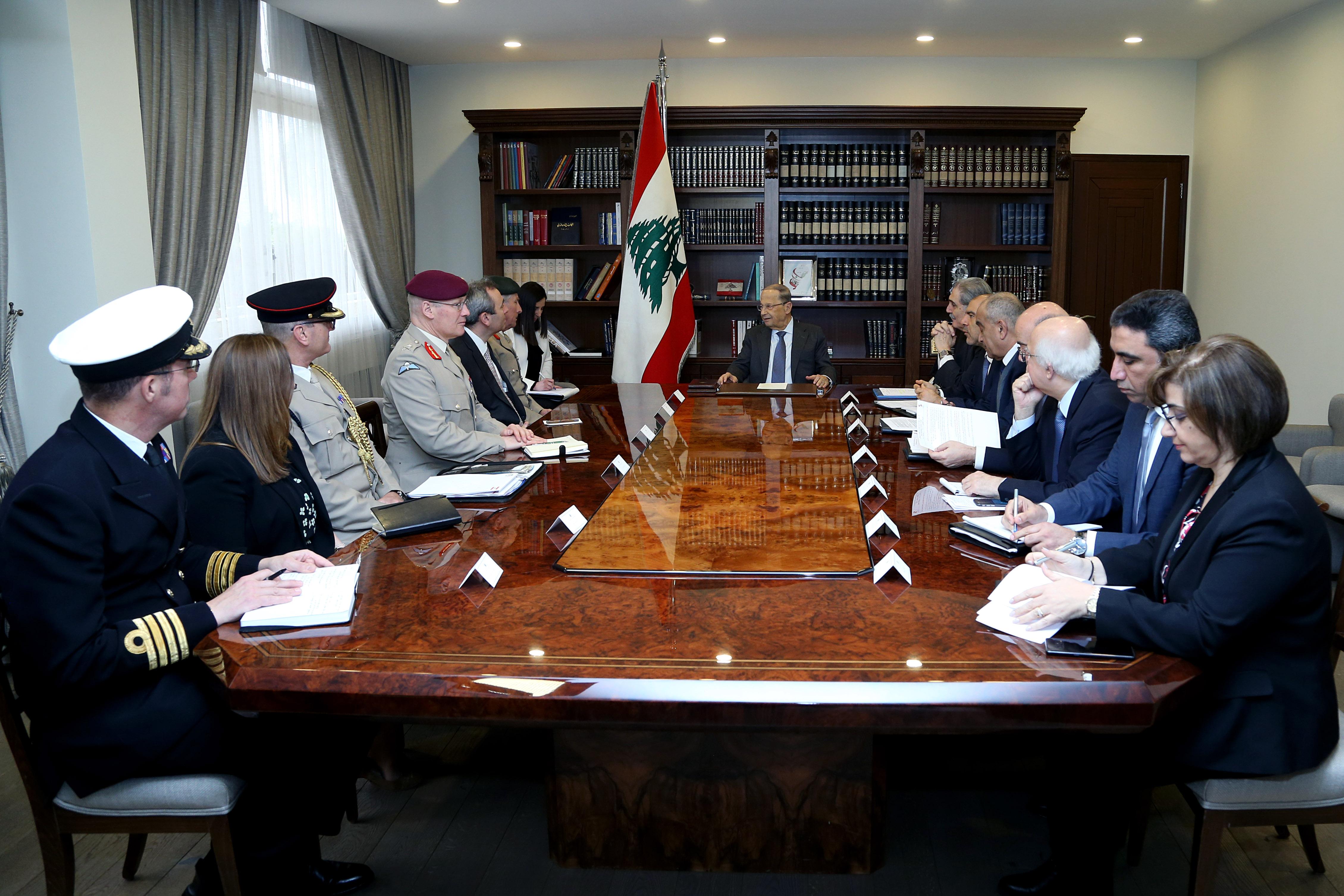 01 - Gen. Sir Nicholas Carter with a delegation (2)
