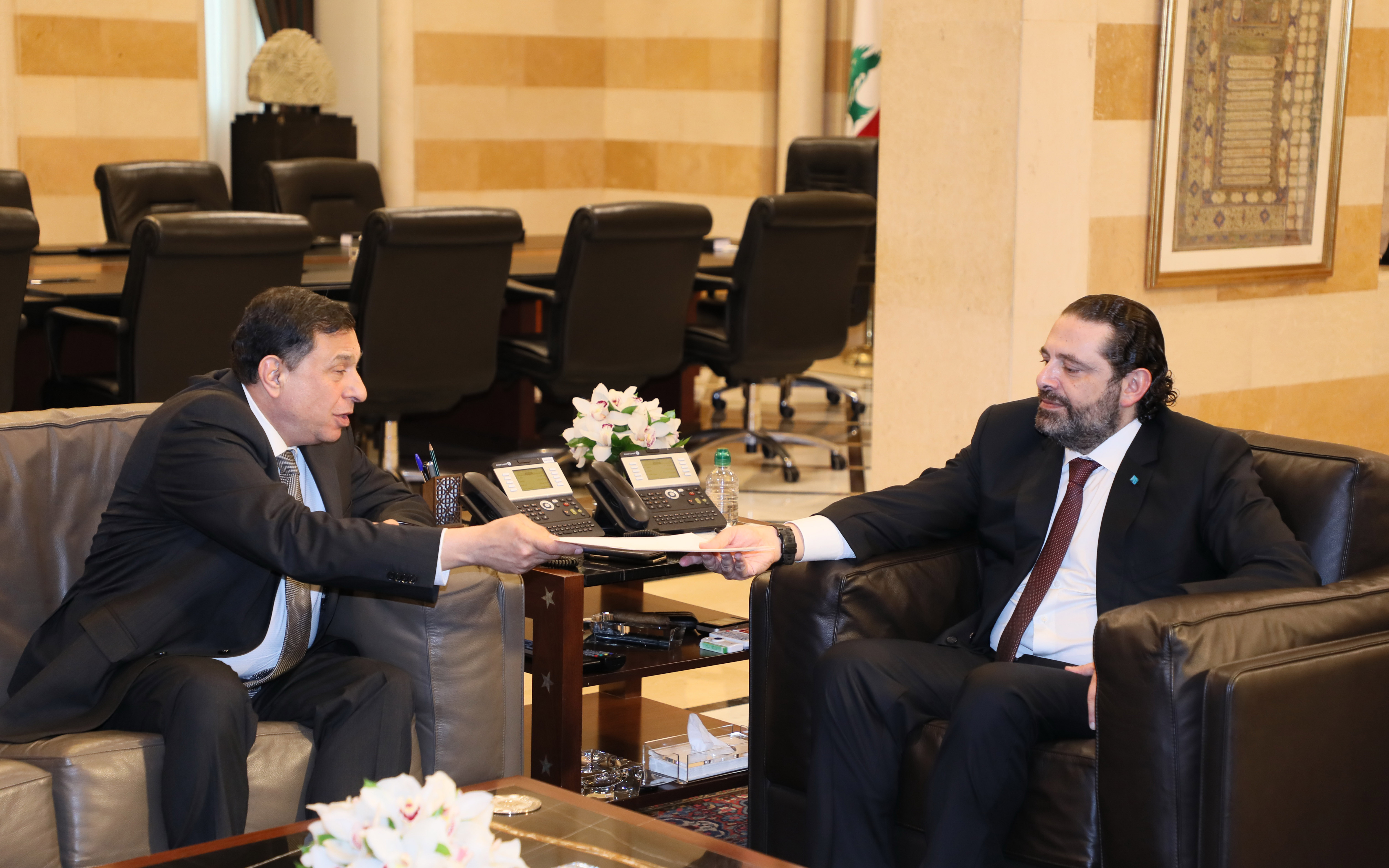 Pr Minister Saad Hariri meets a Delegation Arab Lebanese University 1