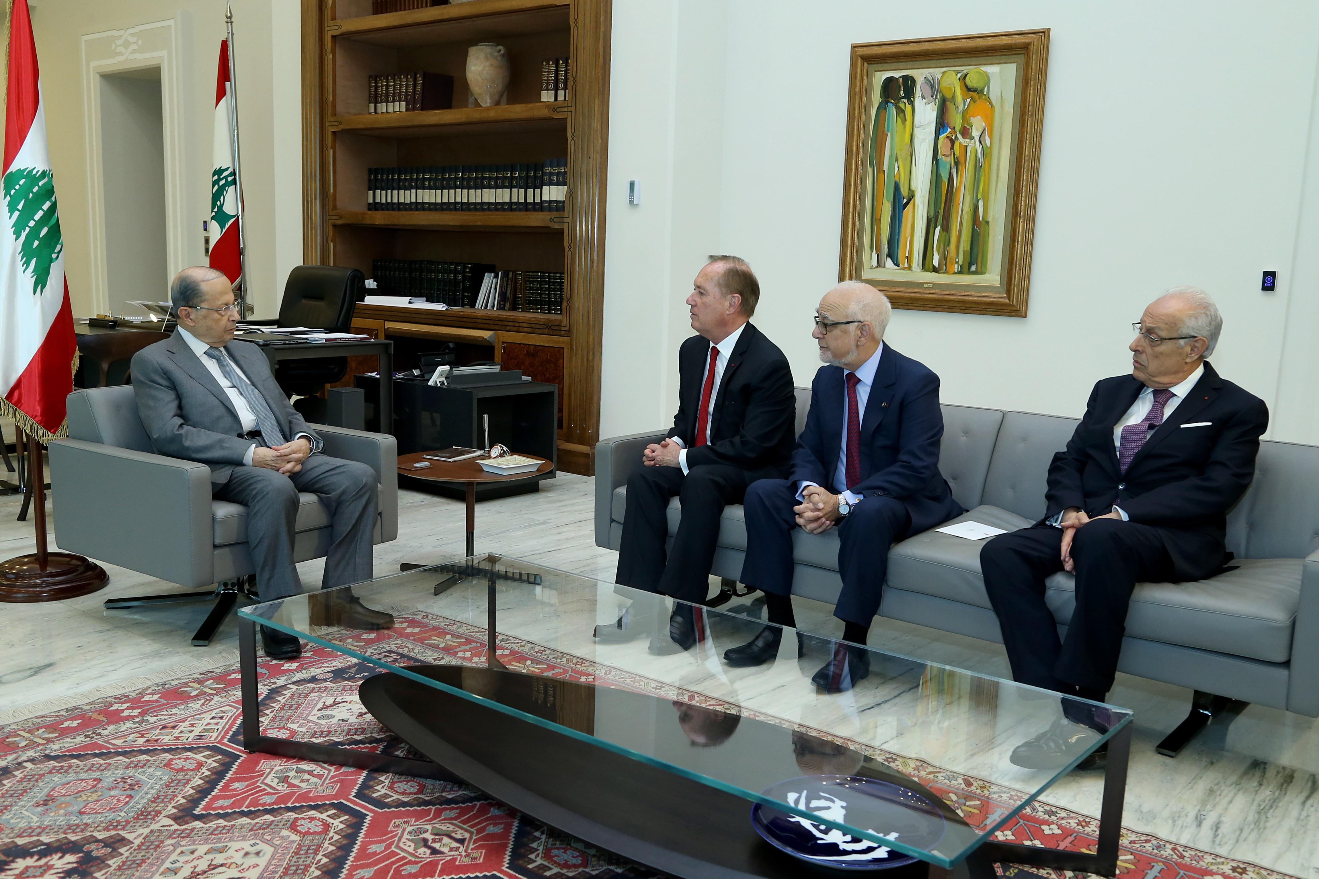 02 - Mr. Bertrand Besancenot with a delegation (1)