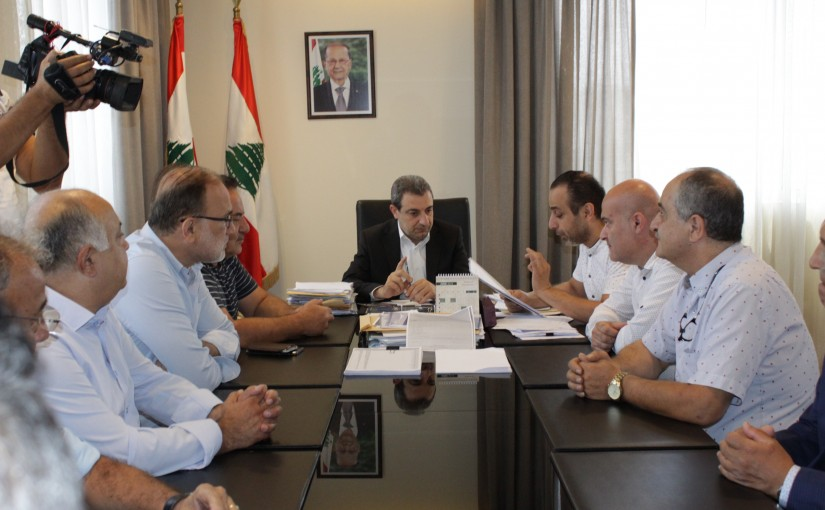 Minister Wael Abou Faour meets a Delegation from Shoes Traders