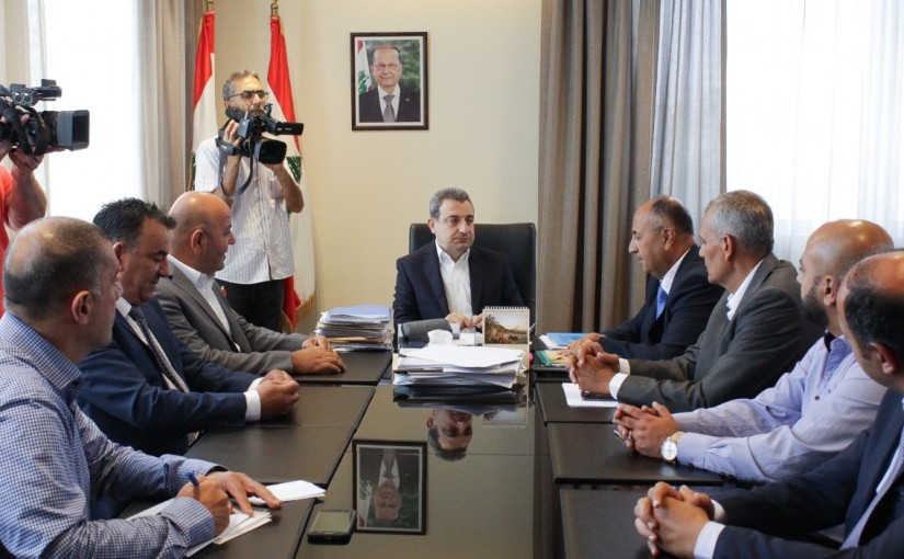 Minister Wael Abou Faour meets a Delegation from Gaz Inported Syndicate