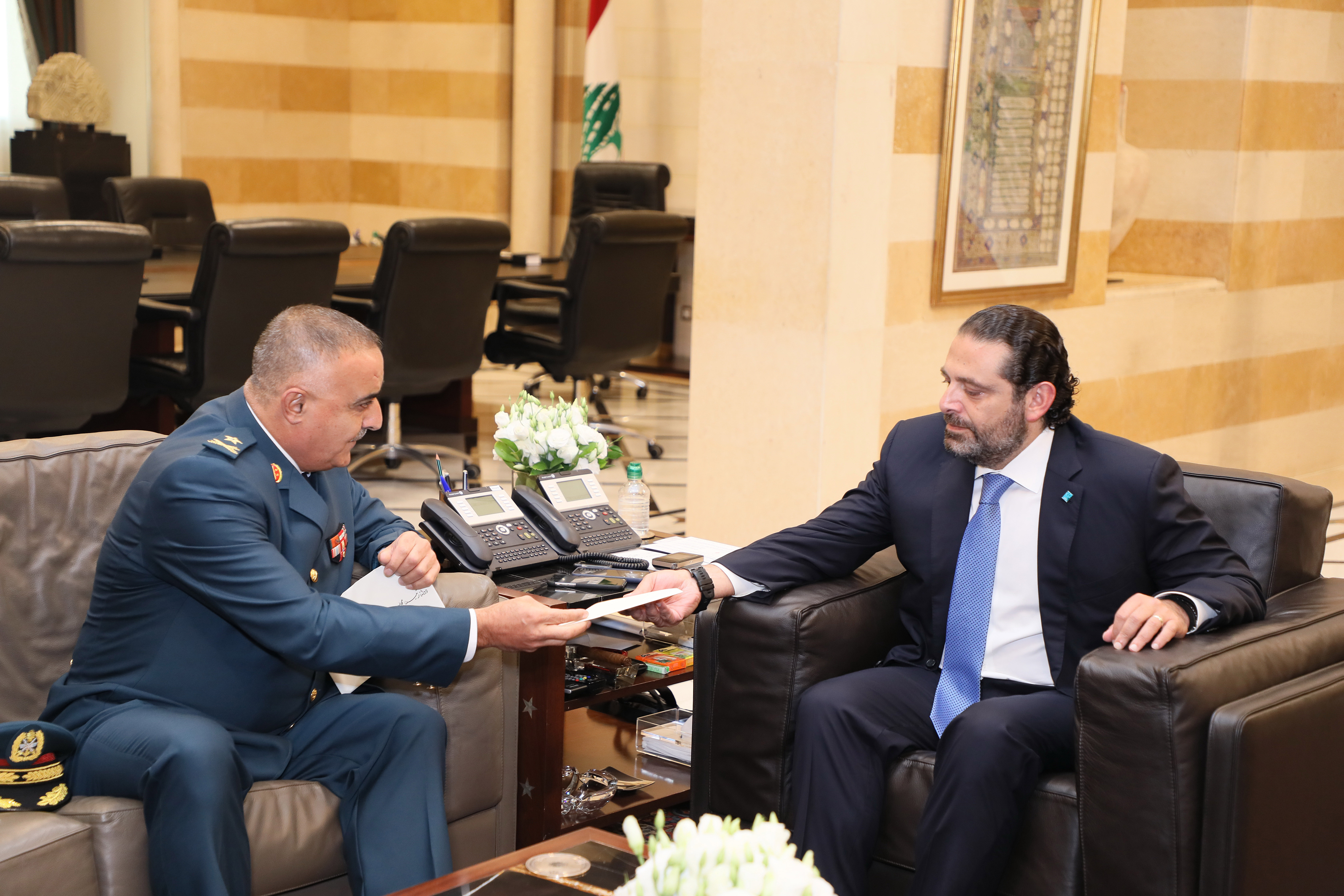Pr Minister Saad Hariri meets a Delegation from Lebanese Army 1
