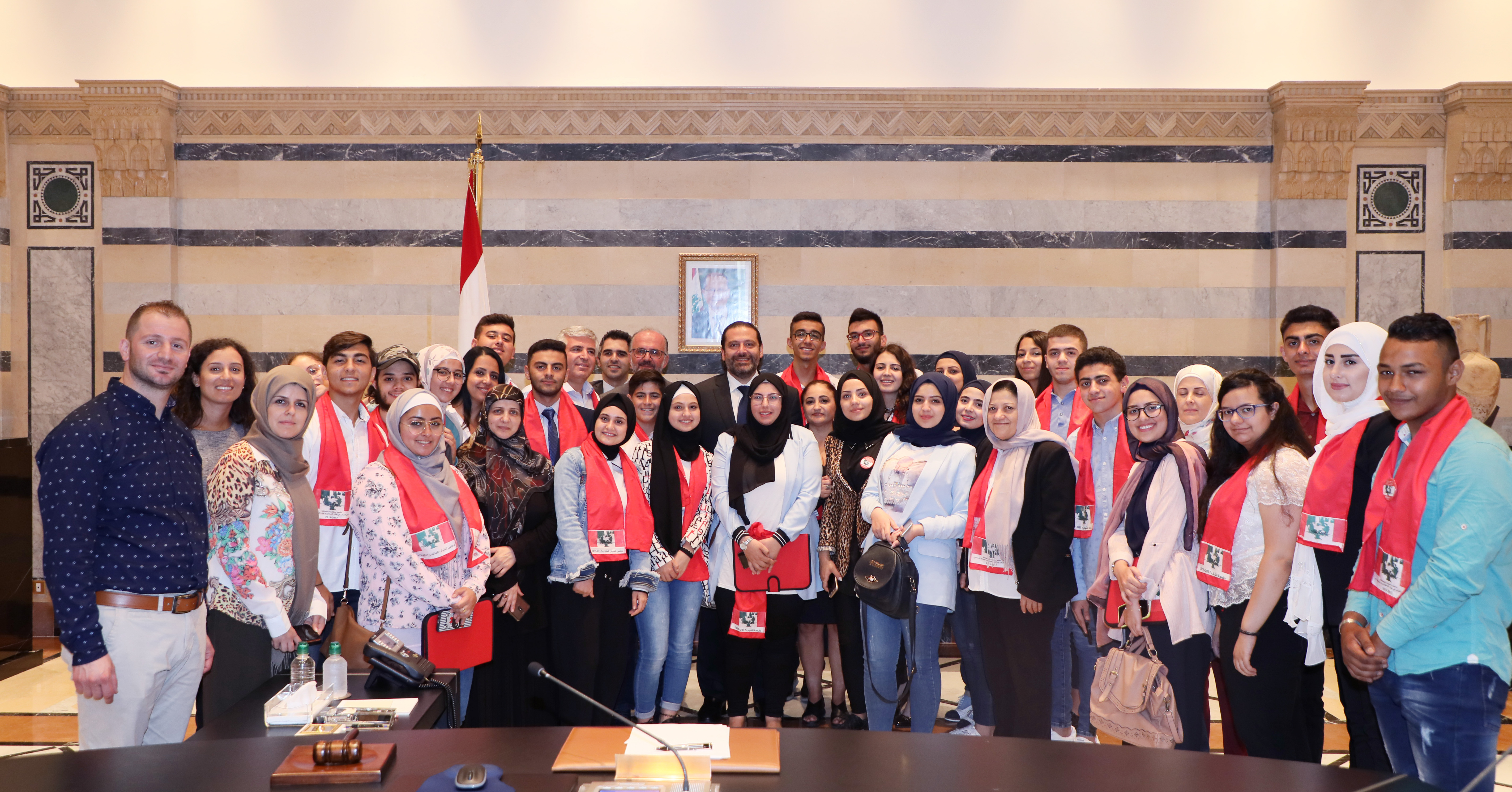Pr Minister Saad Hariri meets a Delegation from Lebanese Students 1