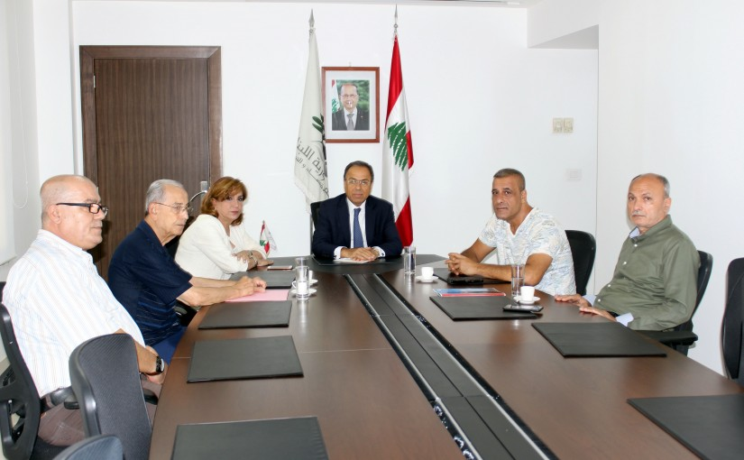 Minister Mansour Bteich meets a Delegation from Shoe factories Syndicate