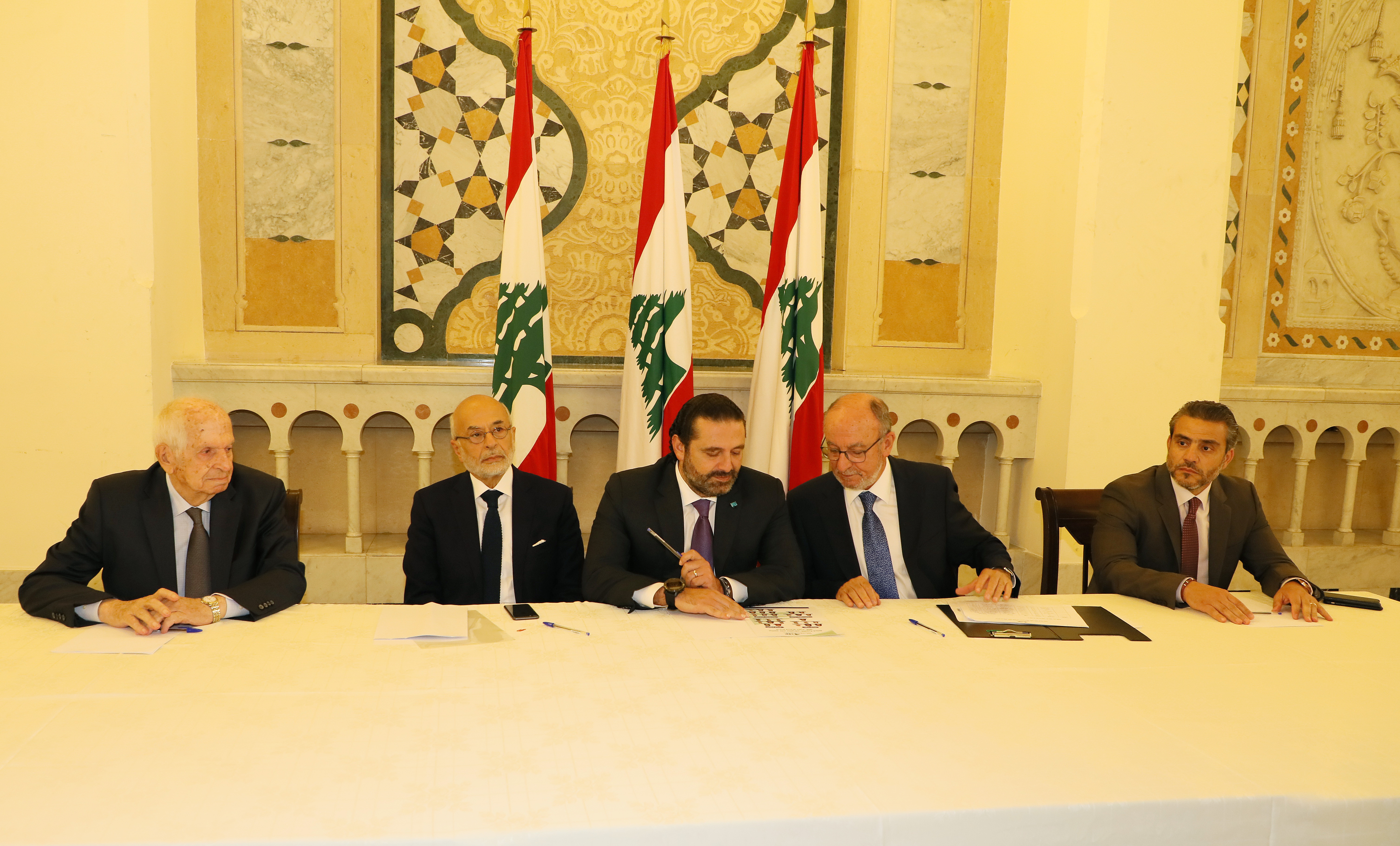 Pr Minister Saad Hariri Honors a Delegation from Lebanese Students 7