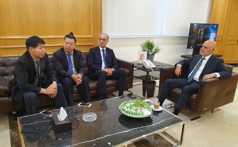 Minister Youssef Fenianos Meets a Chinese Delegation