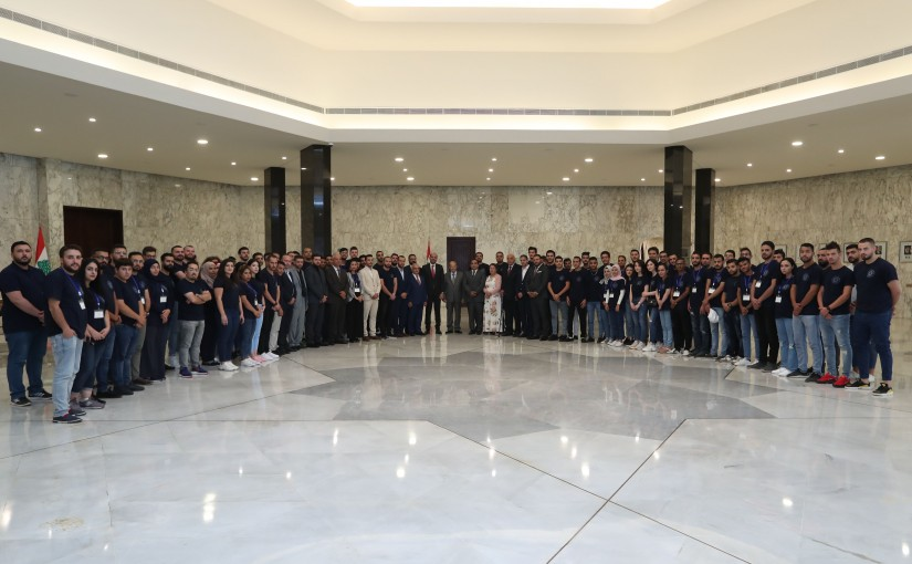 President Michel Aoun Meets a Delegation From Arab Youths