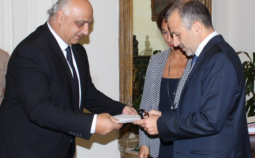 Minister Gebran Bassil meets Colombian Ambassador