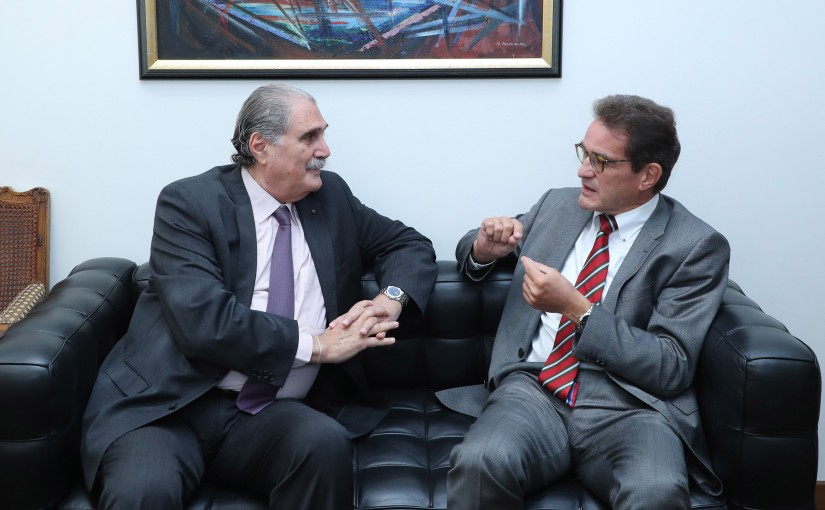 Minister Salim Jereysati meets Ambassador Georg Birgelen.