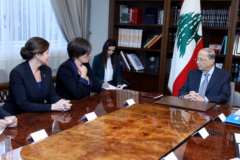 2 - Emmanuelle Lamoureux, Ambassador Leni         Stenseth (2)