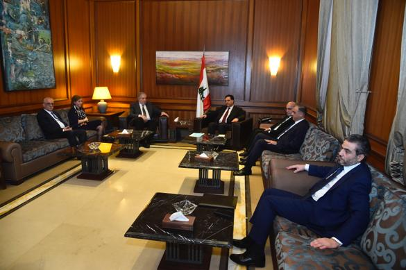 Pr Minister Hassan Diab meets a Delegation From Almustaqbal Bloc