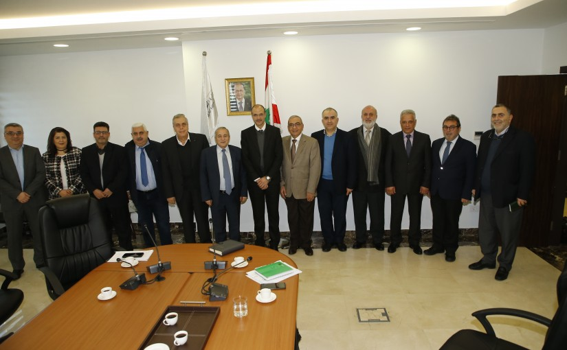 Minister Hamad Ali Hassan meets a Delegation from Pharmacists Order