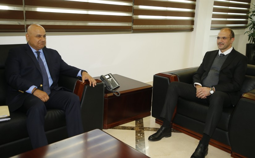 Minister Hamad Ali Hassan meets a Delegation from World Bank