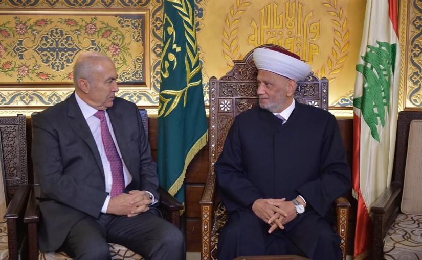 Grand Mufti Abdel Latif Derian Meets MP Fouad Makhzoumi