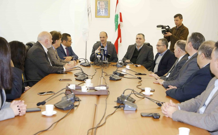 Minister Hammad Hassan meets a Delegation from Hospital Syndicate