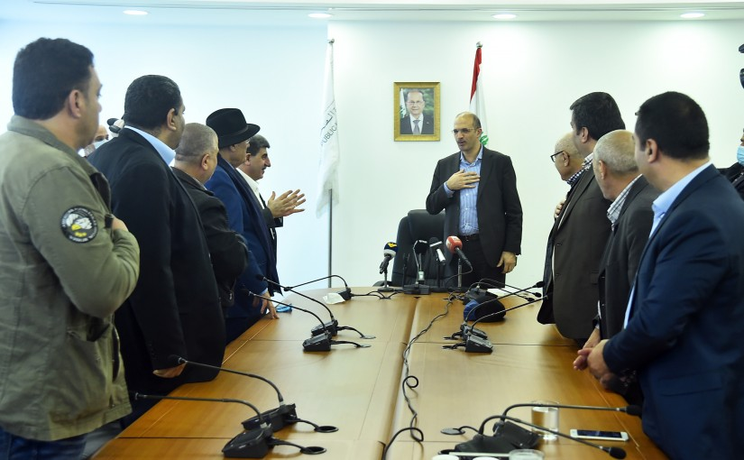 Minister Hamad Ali Hassan meets a Delegation from Drivers Syndicate