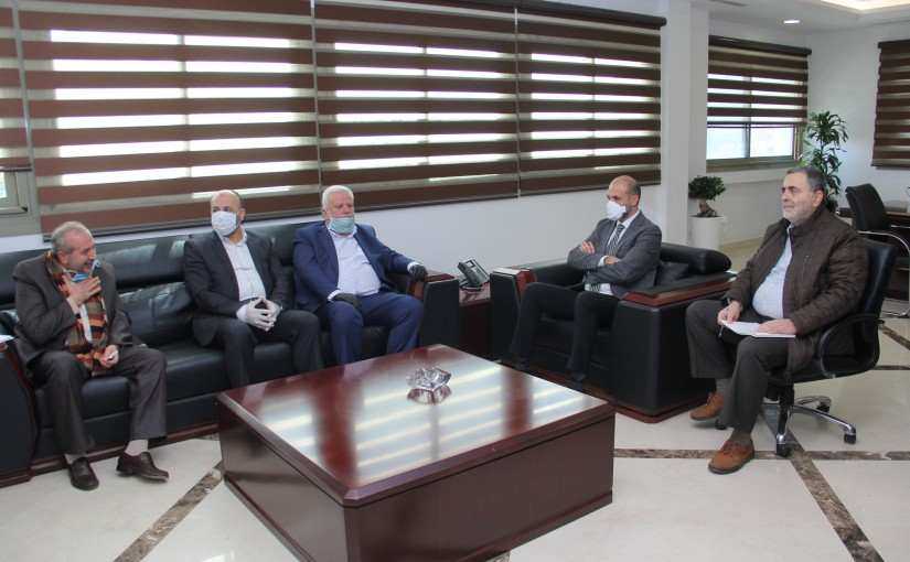 Minister Hassan Hamad meets a Palestinian Delegation