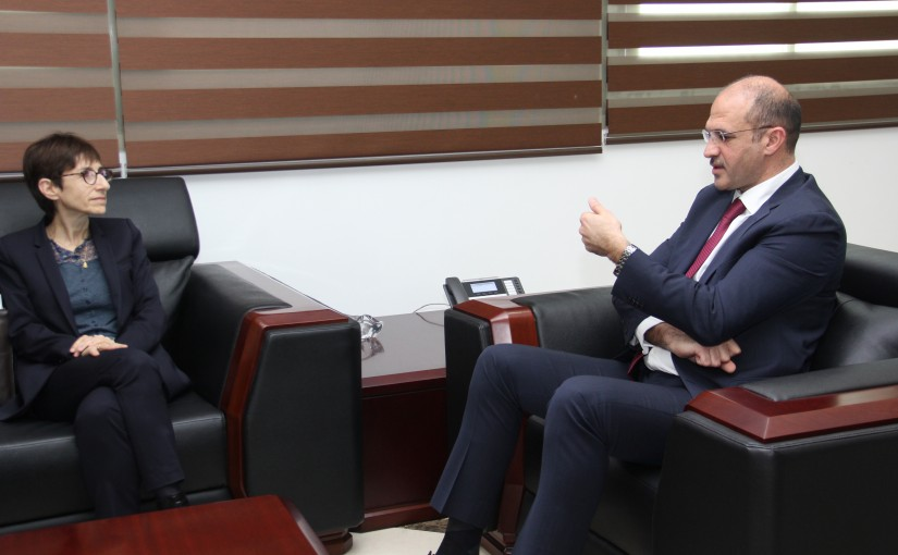 Minister Hassan Hamad meets Mrs Mirielle Gerard
