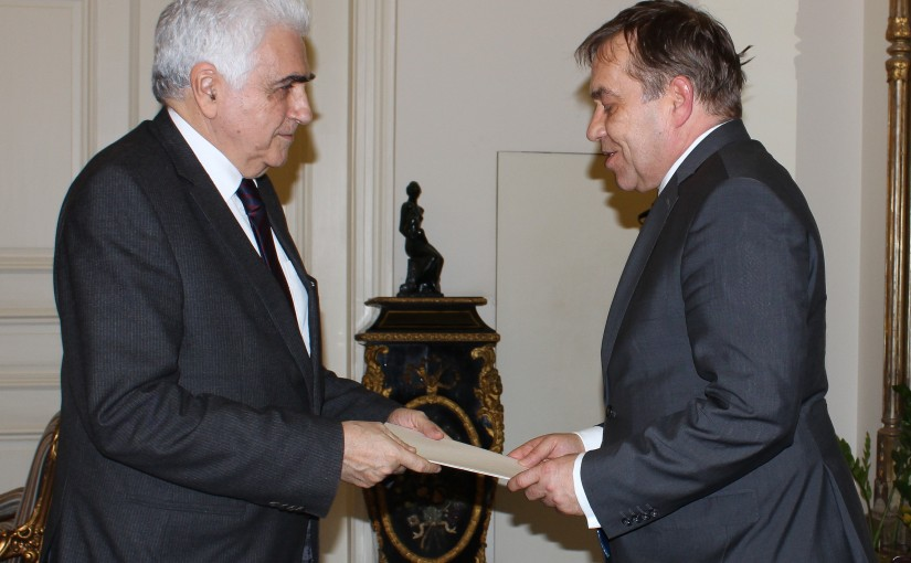 Minister Nassif Hiti meets Slovinian Ambassador