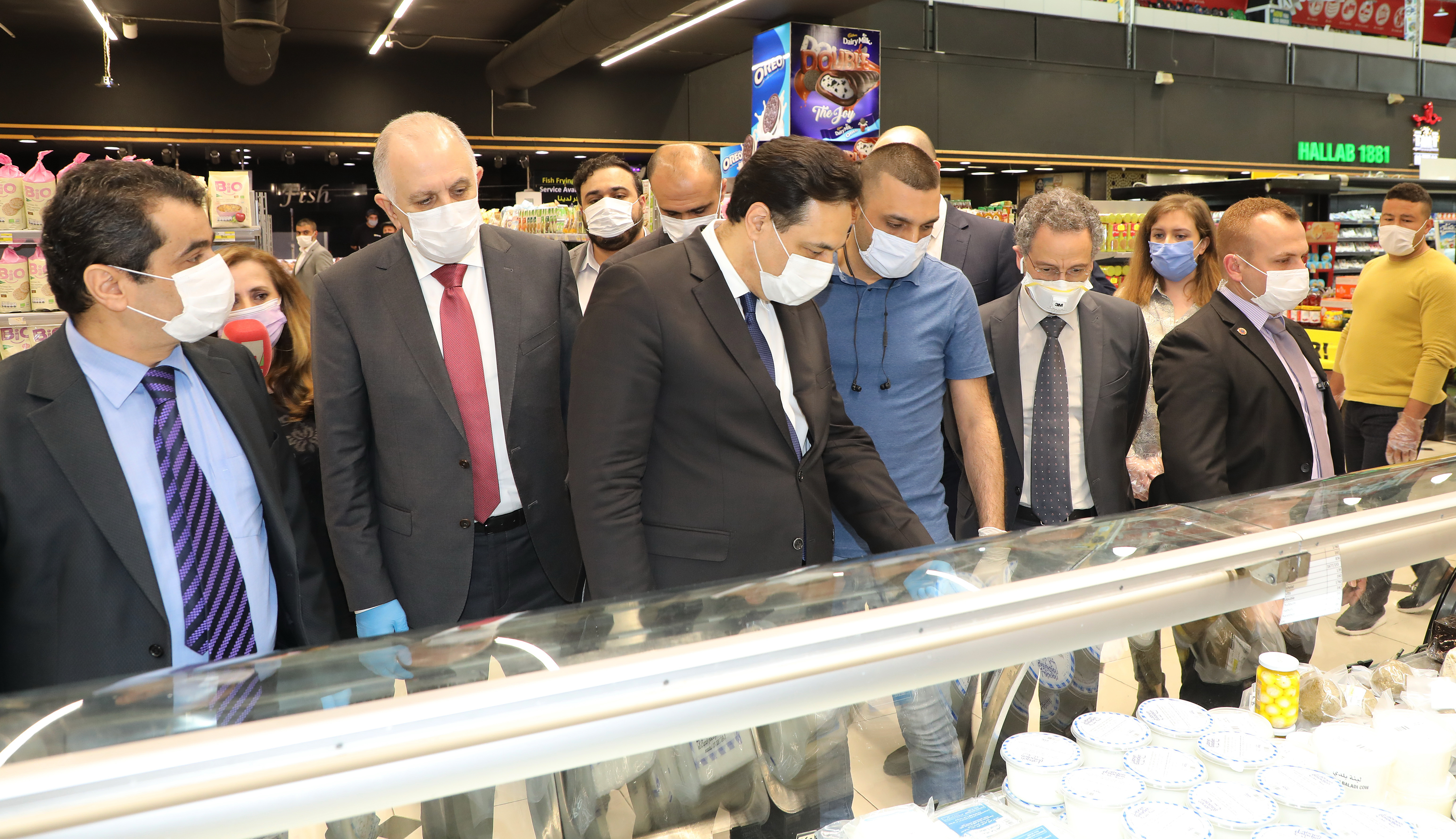 Pr Minister Hassan Diab Visits Spinneys Store 1