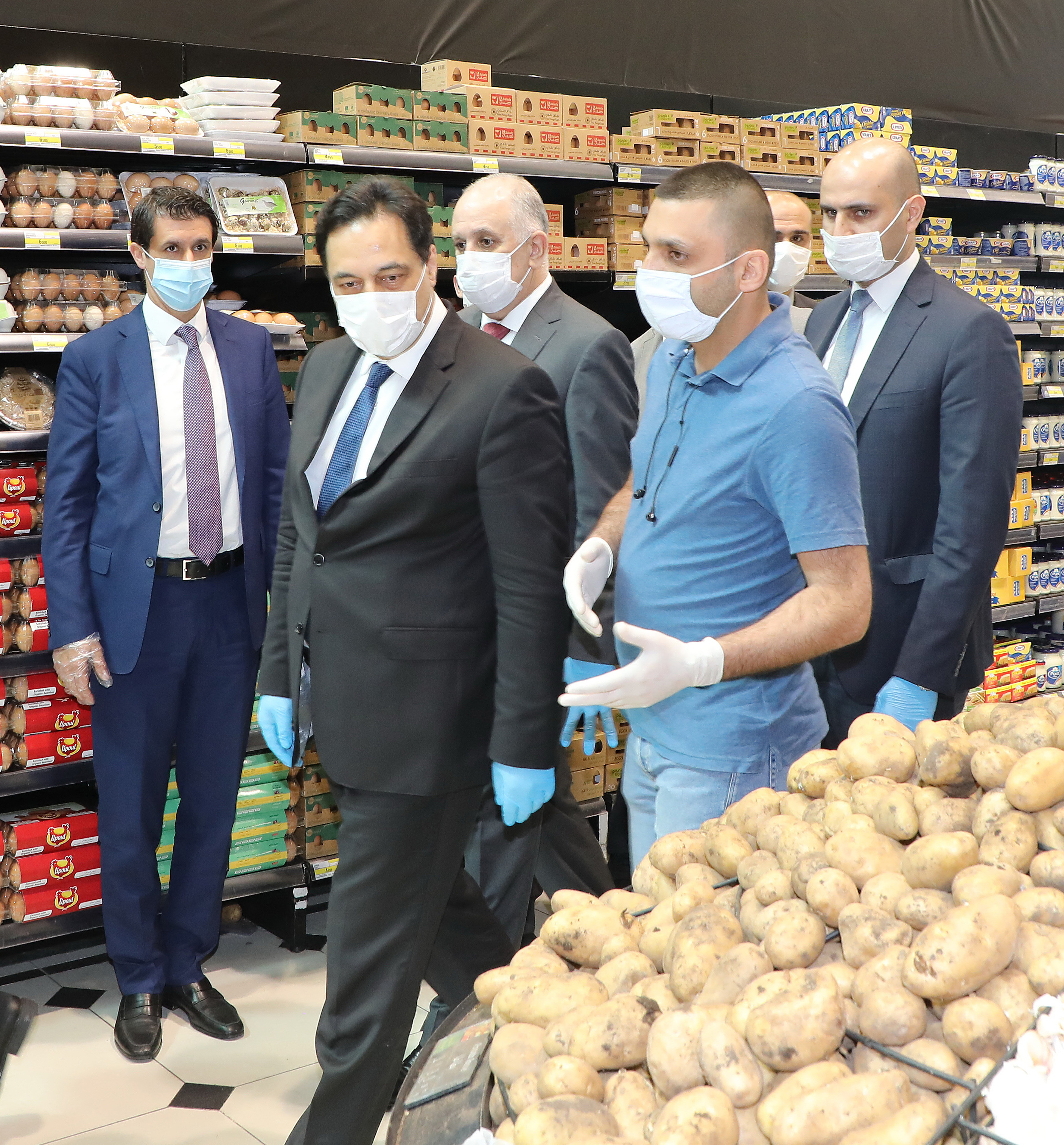 Pr Minister Hassan Diab Visits Spinneys Store 3