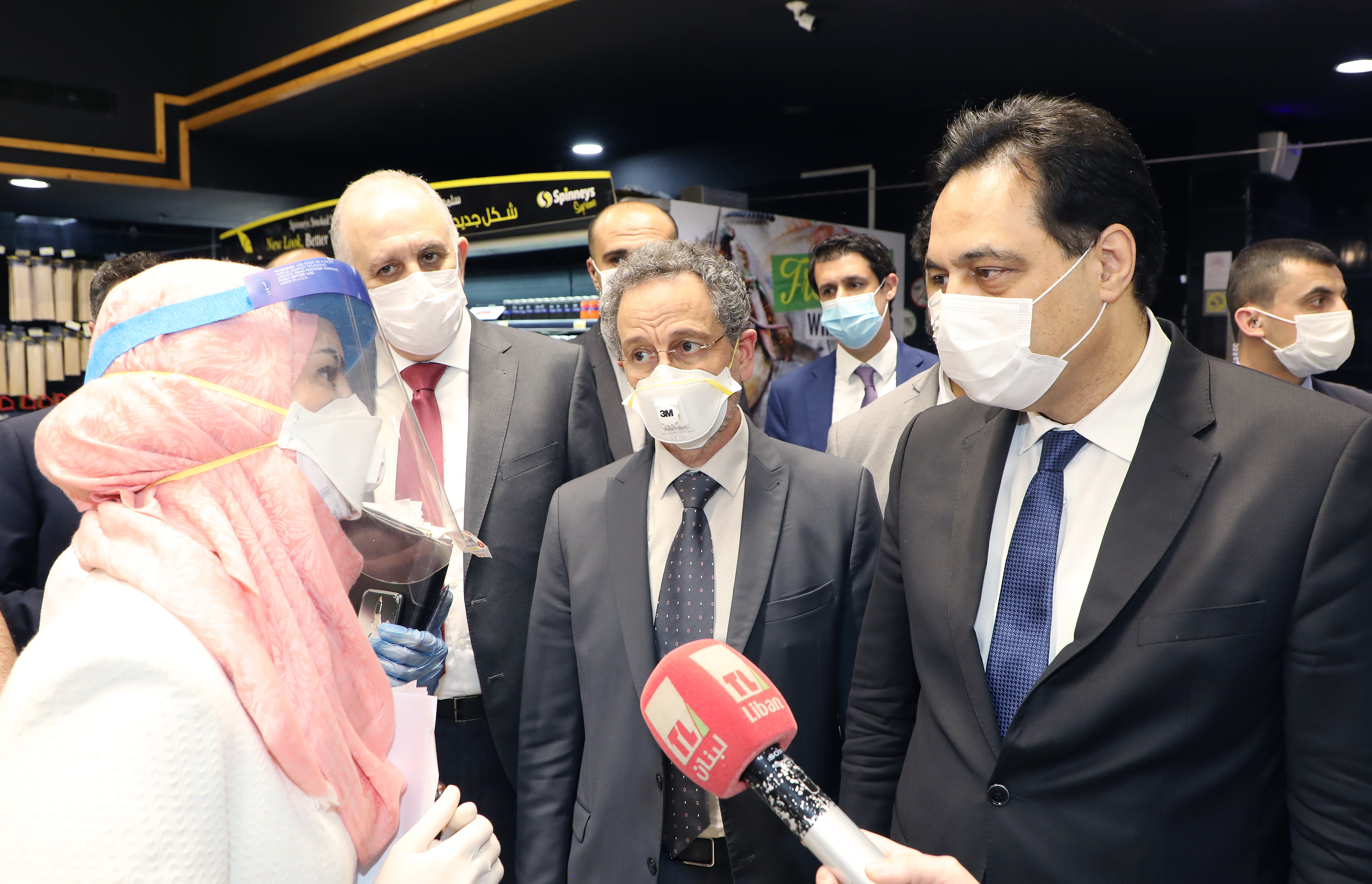 Pr Minister Hassan Diab Visits Spinneys Store 6