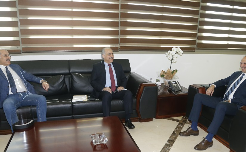 Minister Hassan Hamad meets a Delegation from Democratic Bloc MPs