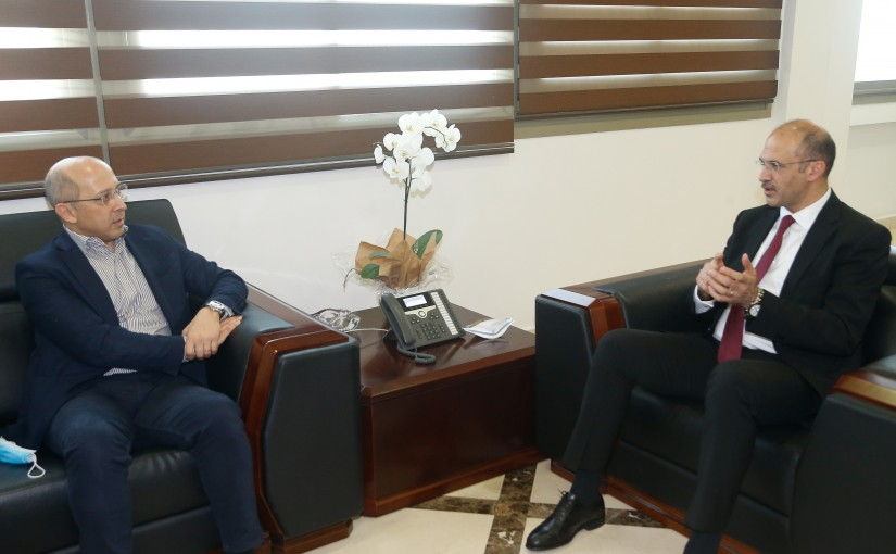 Minister Hassan Hamad meets MP Alain Aoun