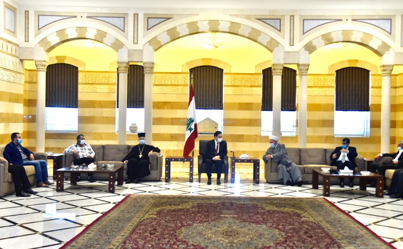 Pr Minister Hassan Diab meets a Delegation from Rachana Municipality
