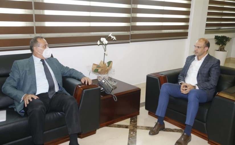 Minister Hassan Hamad meets Minister Imad Habalah