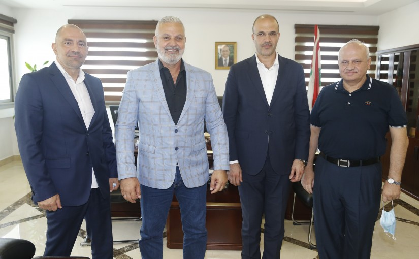 Minister Hassan Hamad meets a Delegation from Kick boxing Syndicate