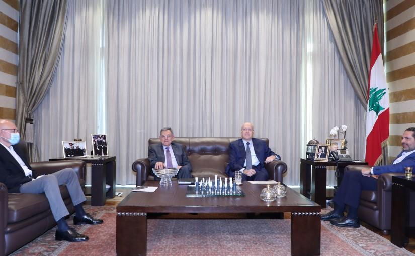 Former Pr Minister Saad Hariri meets a Delegation from Former Pr Ministers