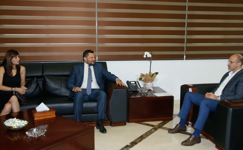 Minister Hassan Hamad meets a Delegation from Insurance Companies