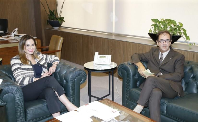 Minister Manal Abdel Samad meets French Ambassador